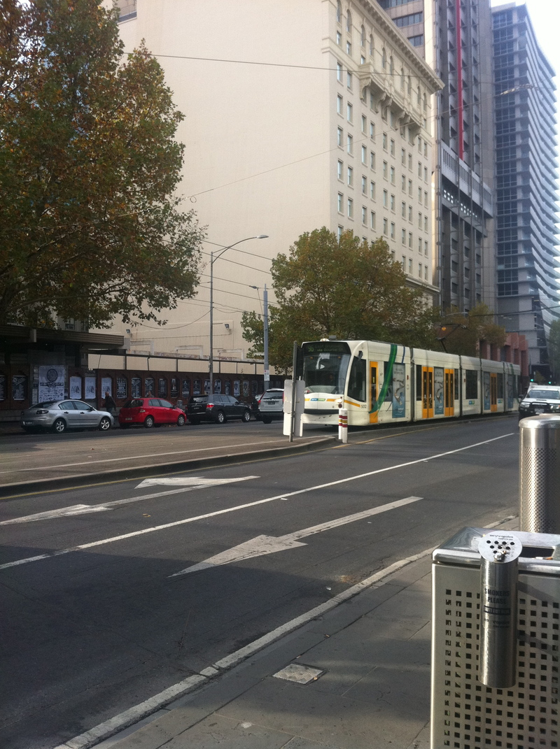 save public transport melbourne, save on public transport in melbourne, free city circle tram, myki, melbourne city shuttle, skybus